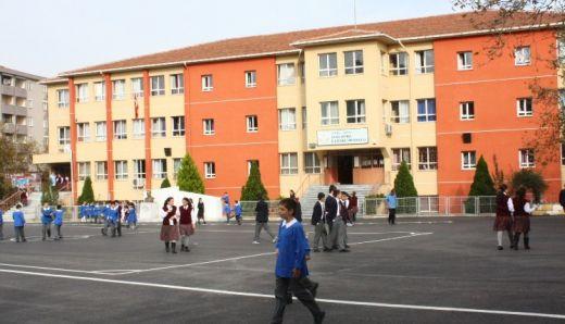 Derse geç kalan öğrenciye dayak iddiası