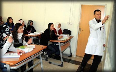 Eğitim Bir Sen: Mevcut sistem dershaneleri zorunlu hale getiriyor