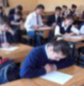 'Eğitim Notr Damın Kamburu'na Dönüştü'