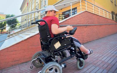 Engellilere okul yolu göründü