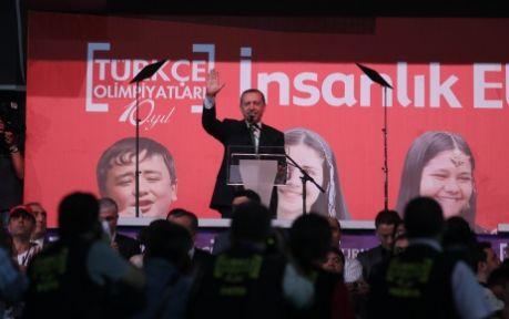 Erdoğan: Öğretmenleri alınlarından öpüyorum!