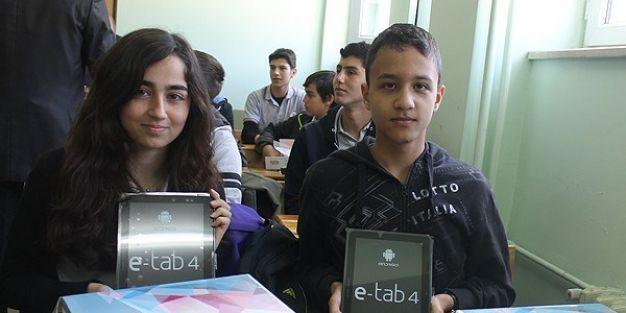 FATİH projesiyle 732 bin tablet dağıtıldı