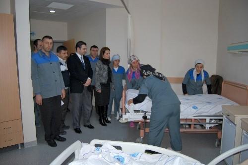 Hastane personeli eğitiliyor