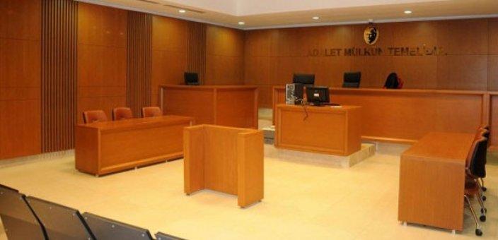 İlk defa bir avukat başörtüsüyle davaya girdi