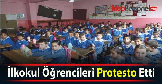 İlkokul Öğrencileri Protesto Etti