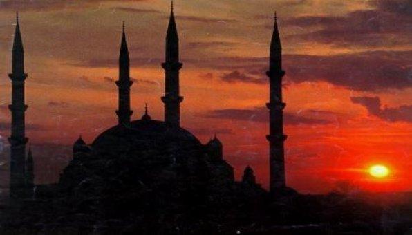 İslamı Araştıran Alman Kadın Müslüman Oldu