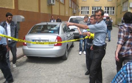 Kavgayı ayıran polisin tabancasını gasp eden şahıs dehşet saçtı
