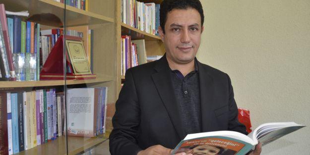 'Kılavuz kitapları öğretmenleri kısıtlıyor'