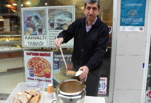 Kırıkkaleli esnaf her gün ücretsiz sıcak çorba dağıtıyor
