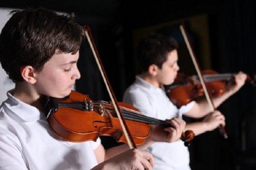 Liselerde resim/müzik derslerinde sınıflar bölünecek
