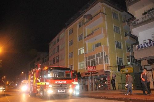Mahallede çıkan yangın vatandaşları korkuttu