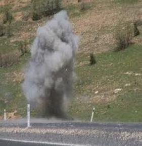 Mardin'de yola döşenen mayın patladı: 1 asker yaralı