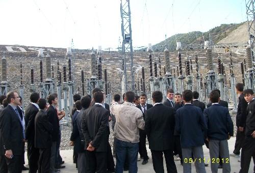 Meslek lisesi öğrencileri elektrik santrallerini yerinde inceledi..
