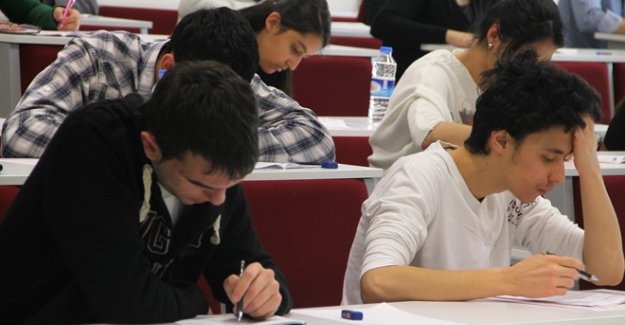 Meslek Öğrencileri; Sınavsız Geçiş Zorlaştı