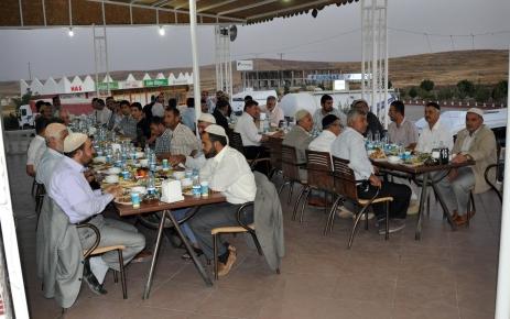 Midyat Belediye Başkanı Nasıroğlu din görevlileriyle iftarda bir araya geldi