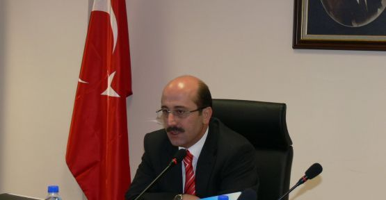 Milli Eğitim Müsteşarı Emin ZARARSIZ  yüksek lisanslar konusunda il müdürlüklerine uyarıda bulundu.