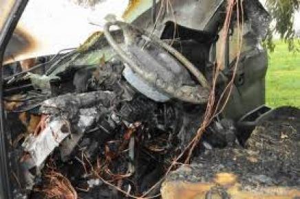 Minibüsü yanan aile gözyaşlarını tutamadı