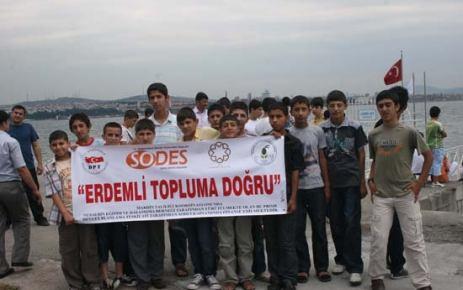 Nusaybin Okuma Salonu öğrencileri gezi düzenledi