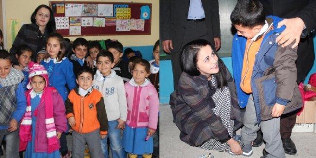 Öğretmenin yardım çağrısıyla 392 öğrenci giydirildi