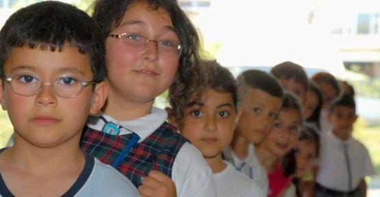 Okula başlama yaşı 7'den 6'ya düşürüldü.