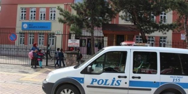 Okula hırsız girdi öğrenciler derse giremedi