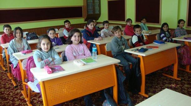 Okullardaki serbest kıyafet öğretmenleri de kapsamalı