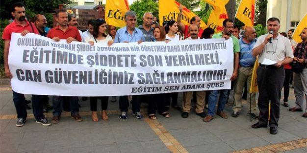 Öldürülen öğretmen için eğitimcilerden eylem