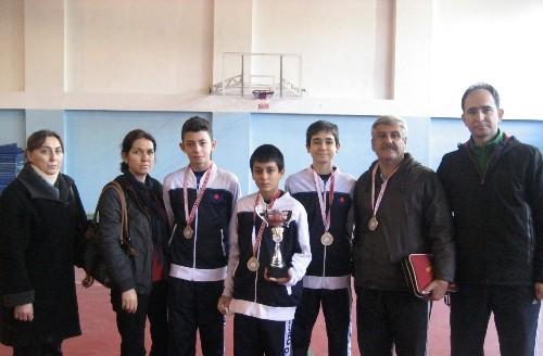Özel Burç Okulları masa tenisinde Adana şampiyonu oldu