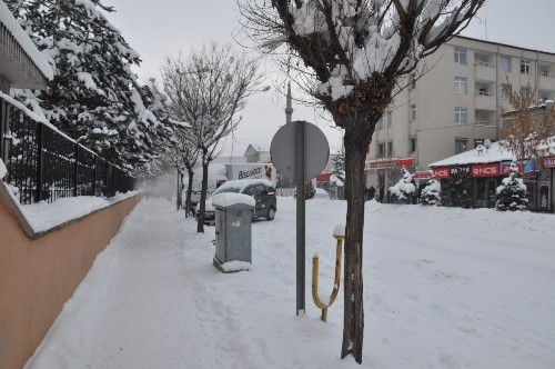 Patnos'ta eğitime kar engeli