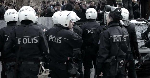 'Polisler pantolonu ütüsüz diye diziplin cezası aldı'