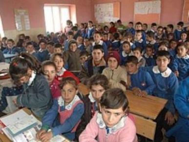 Öğrenciler Sınıftan Taştı