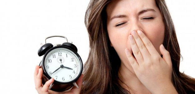 Saatler Saat Kaçta Bir Saat İleri Alınacak