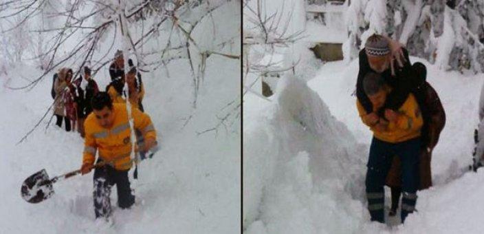 Sağlık çalışanlarından karda büyük fedakarlık