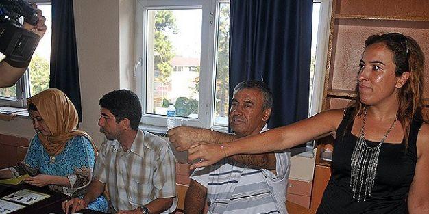 Sandık görevlileri arasında 'kolye' tartışması
