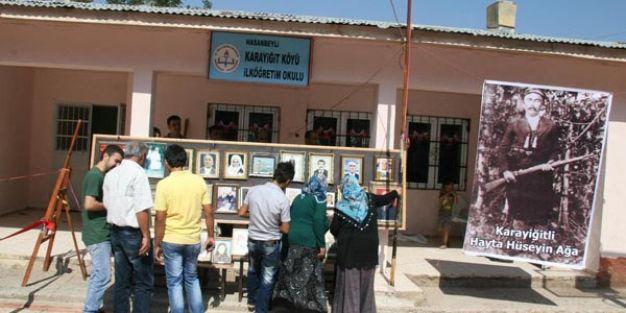 Sınıf öğretmeni, köyde fotoğraf sergisi açtı