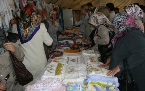 Şırnak'ta fakir öğrenciler yararına kermes düzenlendi