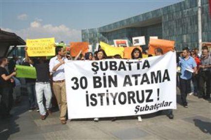 Şubatçılar Bursa Grubu Şubat'ta 30 bin öğretmen ataması için eylem yaptı