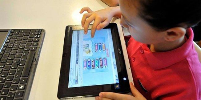 Tatilde çocuğunuzu bilgisayar oyunlarına terk etmeyin