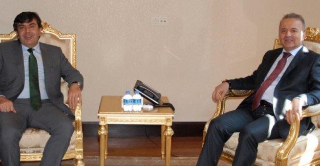Müsteşar  Yusuf Tekin, Afyon Valisi Güner'i ziyaret etti