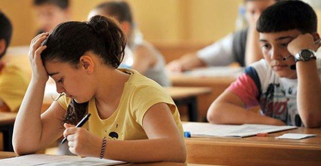 TEOG mazeret sınavlarının ilk oturumu sona erdi