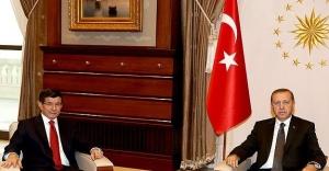 Davutoğlu seçim hükümeti için Cumhurbaşkanlığı Külliyesi'nde