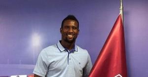 Trabzonspor Douglas ile sözleşme imzaladı