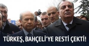 Türkeş Bahçeli#039;yi aradı, Bahçeli...
