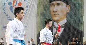 Milli karateci Sofuoğlu dünya şampiyonluğuna...