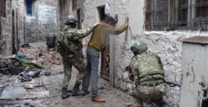 Şırnak'ta 2 terörist teslim oldu, 3 terörist etkisiz hale getirildi
