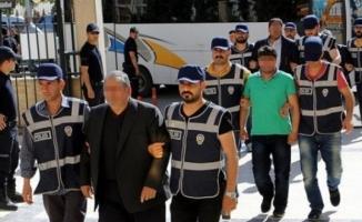 Kocaeli'de 12 kamu çalışanı tutuklandı