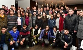 """Bakan Yılmaz, """"Gönül Köprüsü"""" projesi kapsamında gelen öğrencilerle bir araya geldi"""