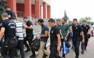 4 ilde, öğretmenlerin de olduğu 12 kişi gözaltına alındı