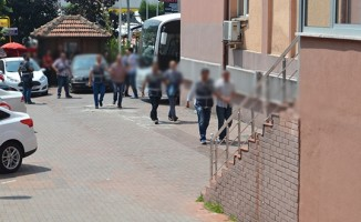 İhraç edilen 4 öğretmen tutuklandı
