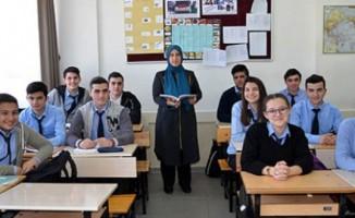 Öğretmen 28 Şubat sürecinde yaşadıklarını unutamıyor